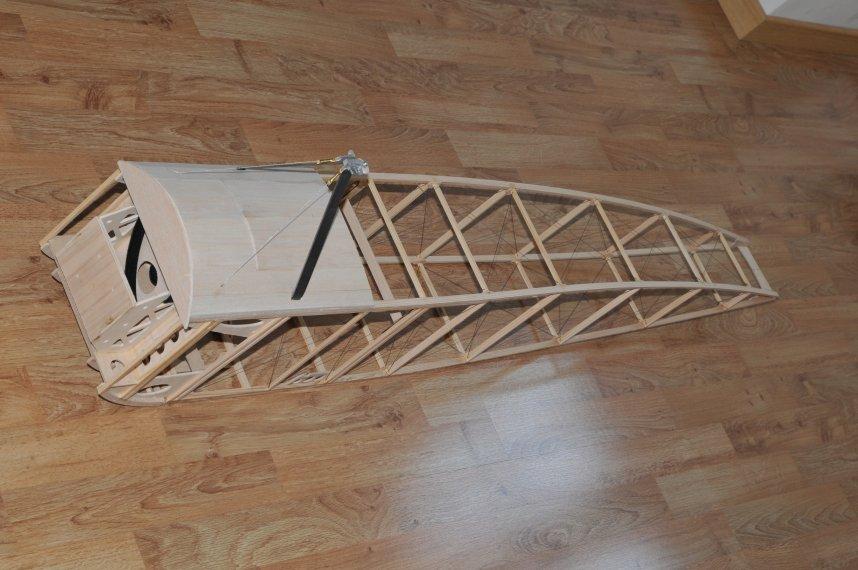 E1 fuselage