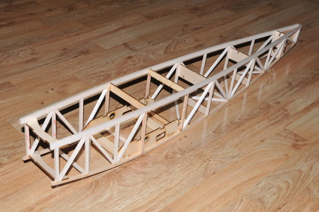 Structure fuselage mb125